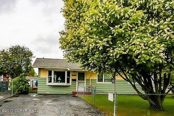240 Bunn St., Anchorage, AK 99508 Photo 2