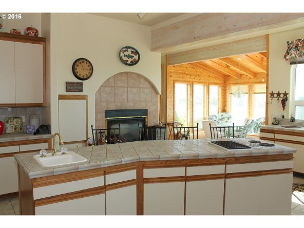 935 Rhododendron Dr., Florence, OR 97439 Photo 12