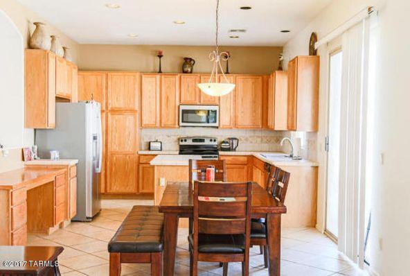 807 E. Hemet, Oro Valley, AZ 85755 Photo 2