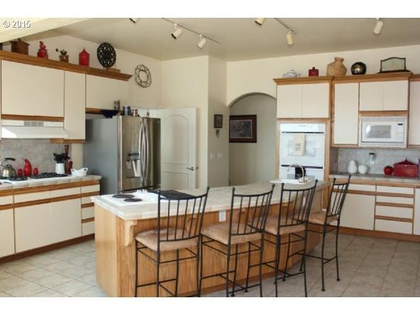 935 Rhododendron Dr., Florence, OR 97439 Photo 10