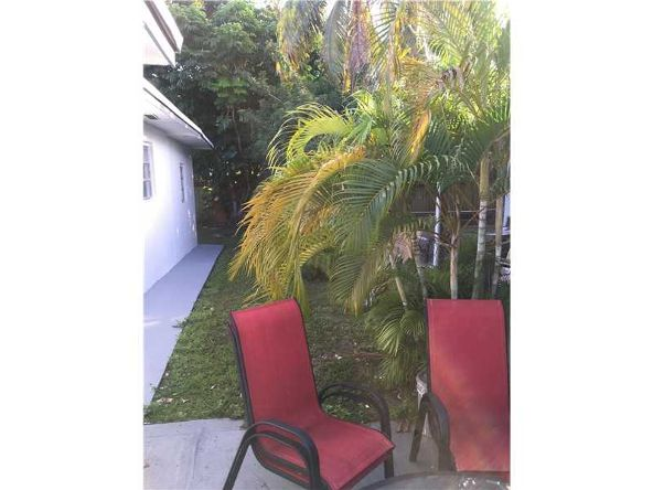 2612 Northeast 206th St., Miami, FL 33180 Photo 3