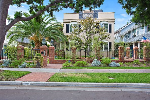 868 J Avenue, Coronado, CA 92118 Photo 1