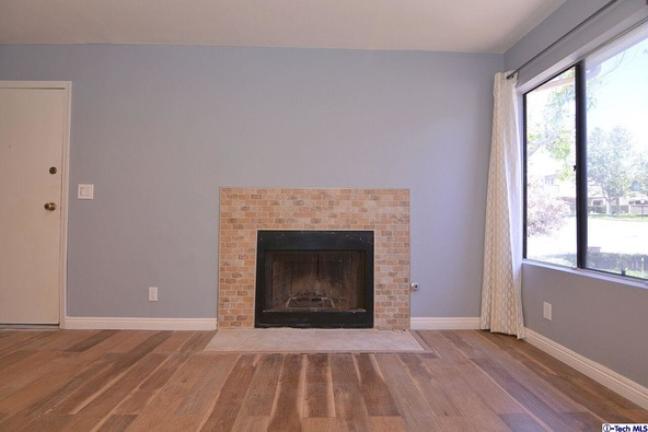 27123 Crossglade Avenue, Canyon Country, CA 91351 Photo 3