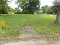 Home for sale: 300 1, Trenton, TN 38382