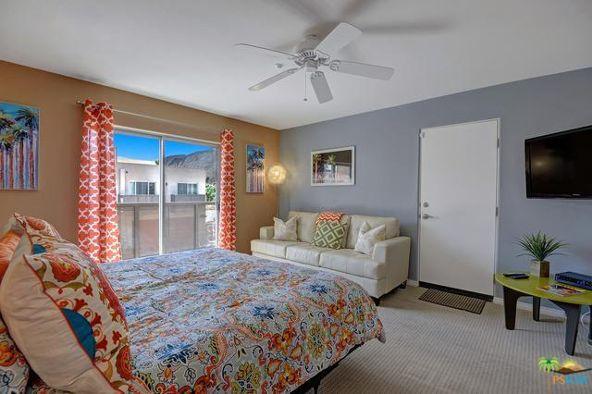 1526 N. Via Miraleste, Palm Springs, CA 92262 Photo 10