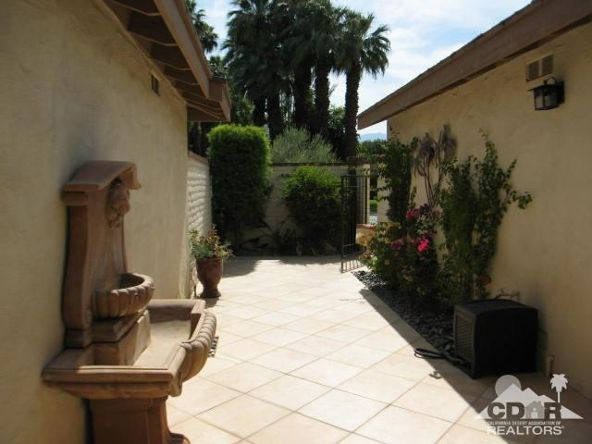 220 Madrid Avenue, Palm Desert, CA 92260 Photo 2