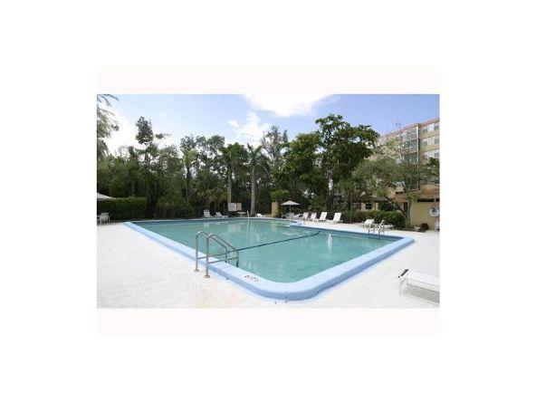 17890 West Dixie Hy, North Miami Beach, FL 33160 Photo 9