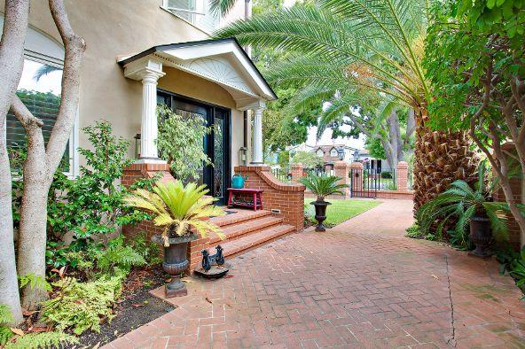 868 J Avenue, Coronado, CA 92118 Photo 2