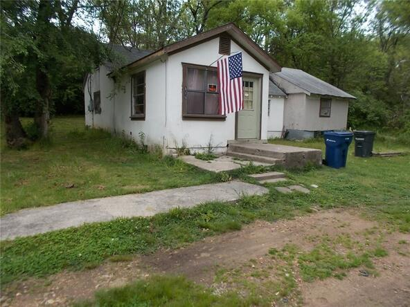 701 E. Central St., Siloam Springs, AR 72761 Photo 4