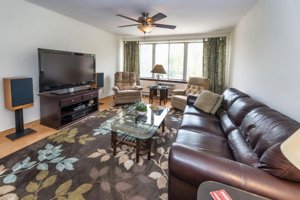825 E. Henry Clay St. 301, Whitefish Bay, WI 53217 Photo 11