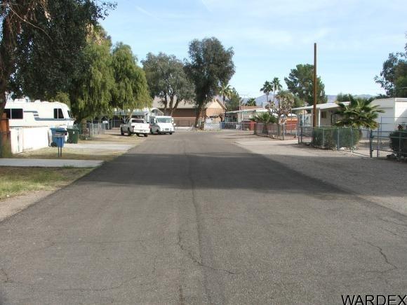 194 Tanglewood Dr., Bullhead City, AZ 86442 Photo 2