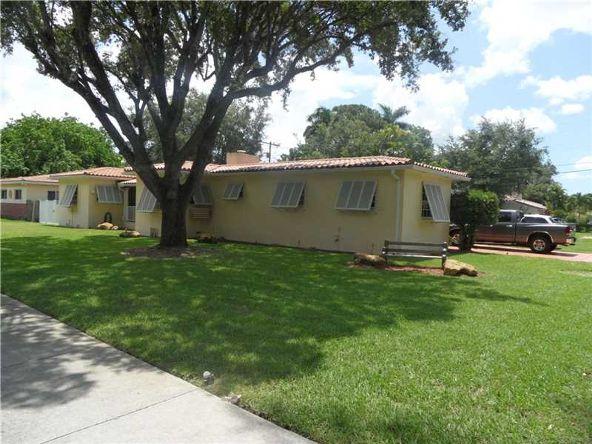 461 Curtiss Pkwy, Miami Springs, FL 33166 Photo 3