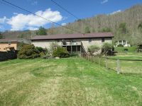Home for sale: 1351 Abbott Creek Rd., Prestonsburg, KY 41653