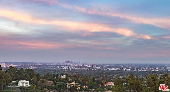 940 Stradella Rd., Los Angeles, CA 90077 Photo 1