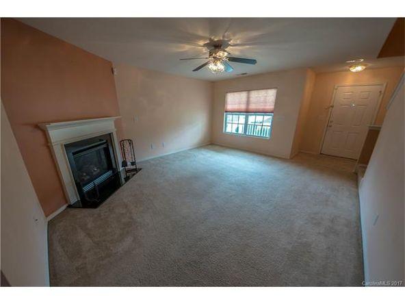 8436 Redding Glen Avenue, Charlotte, NC 28216 Photo 3