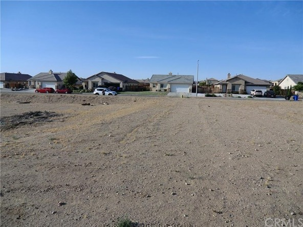 11838 Far Hills Ln., Victorville, CA 92392 Photo 6