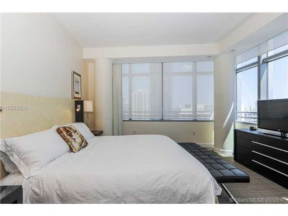 1395 Brickell Ave. # 3213, Miami, FL 33131 Photo 7