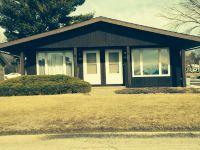 Home for sale: 1604 Airlane, Burlington, IA 52601
