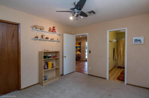 4061 E. Weldon Avenue, Phoenix, AZ 85018 Photo 11