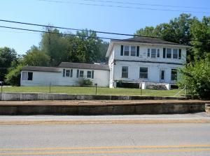 420 Main St., Mammoth Spring, AR 72554 Photo 1