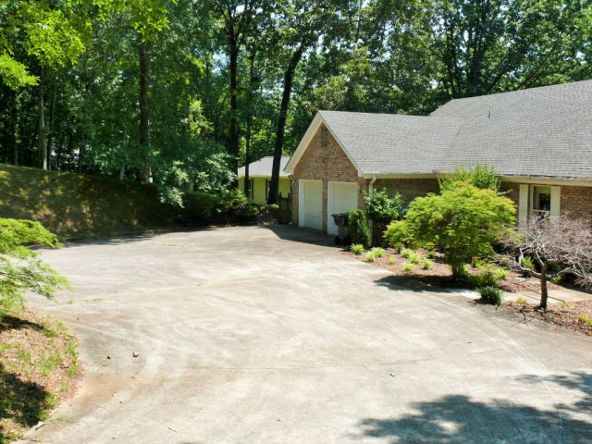 295 Ridgewood Dr., Muscle Shoals, AL 35661 Photo 12