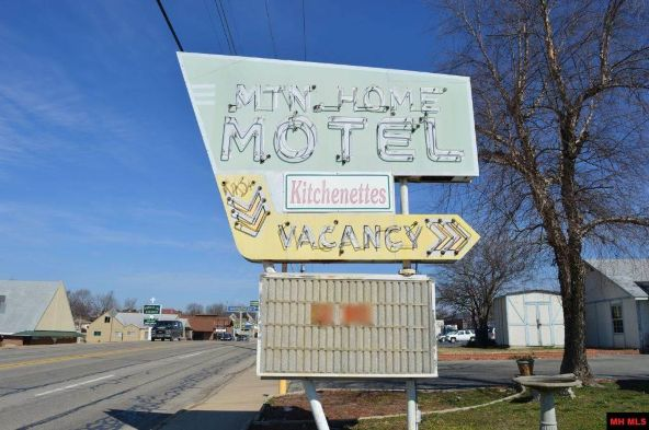 411 S. Main St., Mountain Home, AR 72653 Photo 3