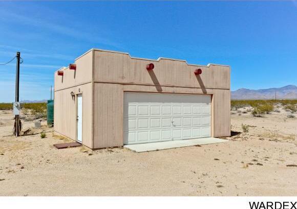 19064 S. Butch Cassidy Rd., Yucca, AZ 86438 Photo 4