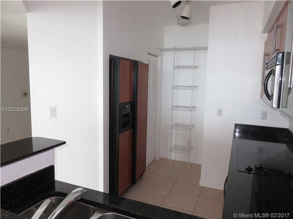 335 South Biscayne Blvd., Miami, FL 33131 Photo 34