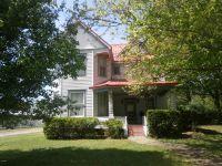 Home for sale: 405 Main St., Benton, IL 62812