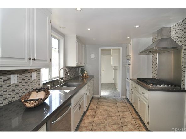 13329 Killion St., Sherman Oaks, CA 91401 Photo 3