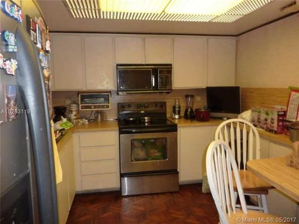 545 W. Park Dr. # 10-8, Miami, FL 33172 Photo 2