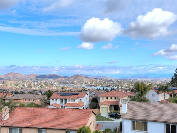 29 Vista Palermo, Lake Elsinore, CA 92532 Photo 12