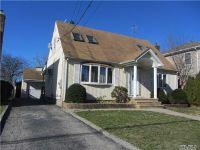 Home for sale: 367 Columbus Pky, Mineola, NY 11501