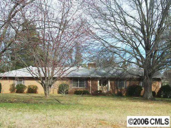 4706 Ridge Rd., Charlotte, NC 28269 Photo 1