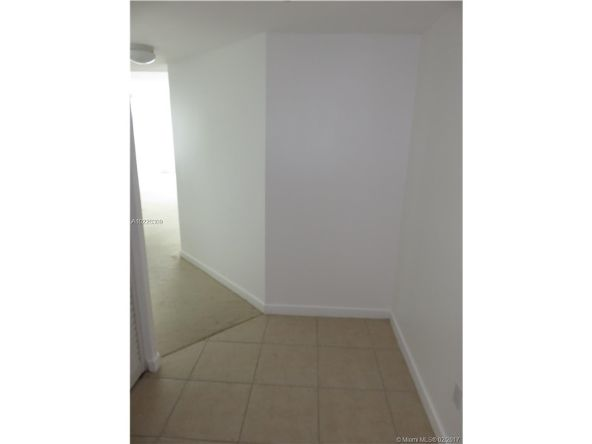 335 South Biscayne Blvd., Miami, FL 33131 Photo 32