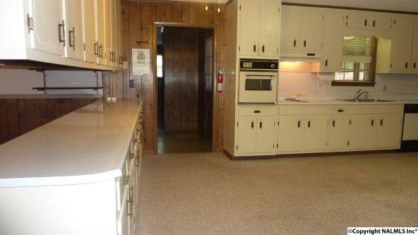 908 Wildwood Rd. S.W., Decatur, AL 35601 Photo 10