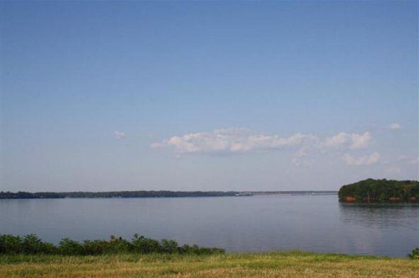 90 River Pointe Dr., Muscle Shoals, AL 35661 Photo 4