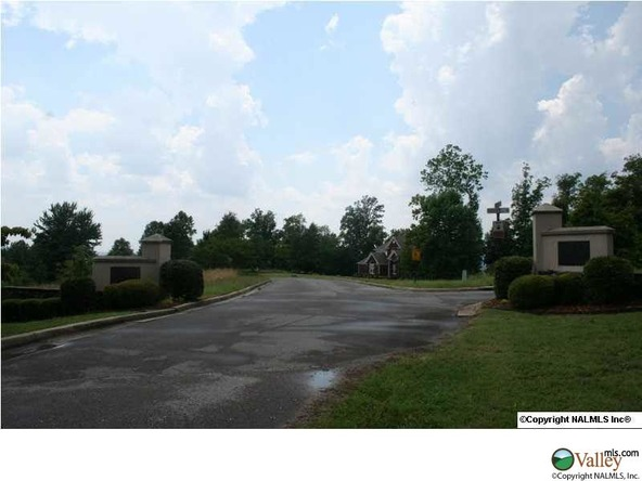 Ridgefield Cir., Guntersville, AL 35976 Photo 2