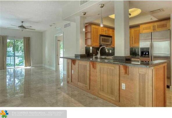 1040 10th St. 402, Miami Beach, FL 33139 Photo 3