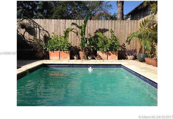 3068 Gifford Ln., Miami, FL 33133 Photo 3