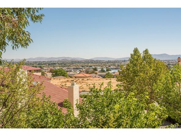 13545 Hidden Valley Rd., Victorville, CA 92395 Photo 20
