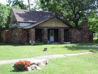 Home for sale: 505 S.E. 3rd, Wagoner, OK 74467