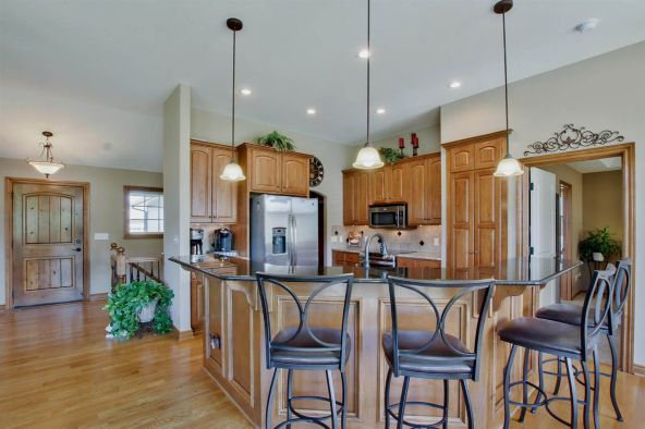 530 N. Woodridge, Wichita, KS 67206 Photo 25