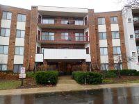 Home for sale: Harbour Dr. Apt 1b, Wheeling, IL 60090