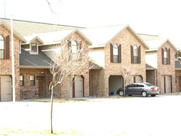 4048 Glenstone Terrace C, Springdale, AR 72764 Photo 2