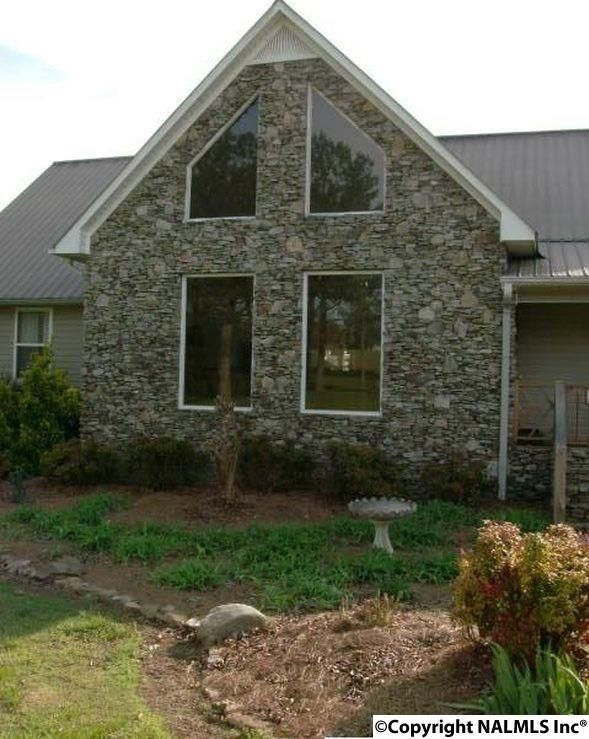 306 Wigley Avenue, Rainsville, AL 35986 Photo 2