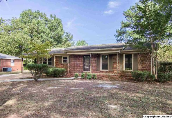 1806 Corrine Avenue S.W., Decatur, AL 35601 Photo 2