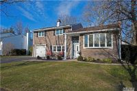 Home for sale: 27 Phipps Ln., Plainview, NY 11803