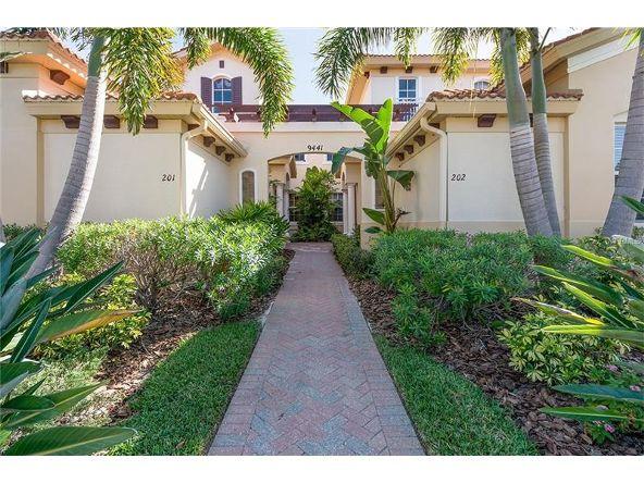 9441 Discovery Terrace #202d, Bradenton, FL 34212 Photo 2