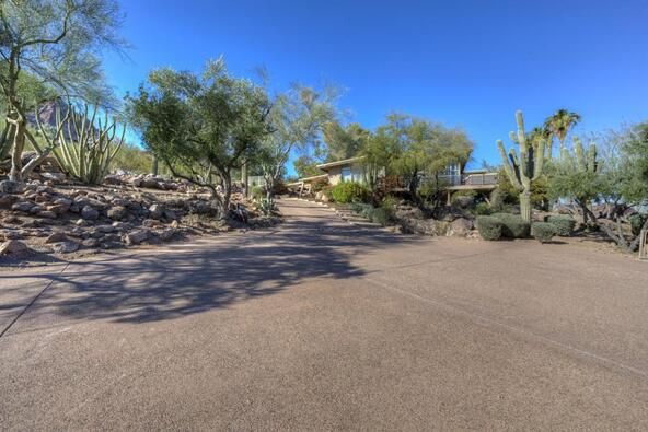 5719 E. Starlight Way, Paradise Valley, AZ 85253 Photo 13